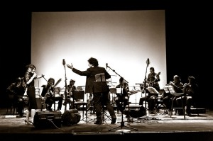 Webnotte il 22 aprile ospita l'Orchestra Operaia! Dalle 21 in onda sul canale satellitare di Repubblica TV