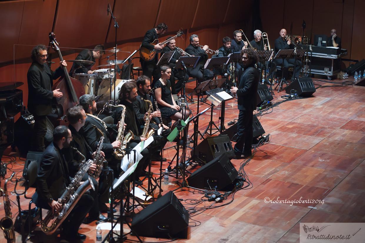 Enotica ospita Orchestra Operaia, featuring Andrea Tofanelli e Marco Guidolotti, a Roma il 14 Marzo alle 22,30