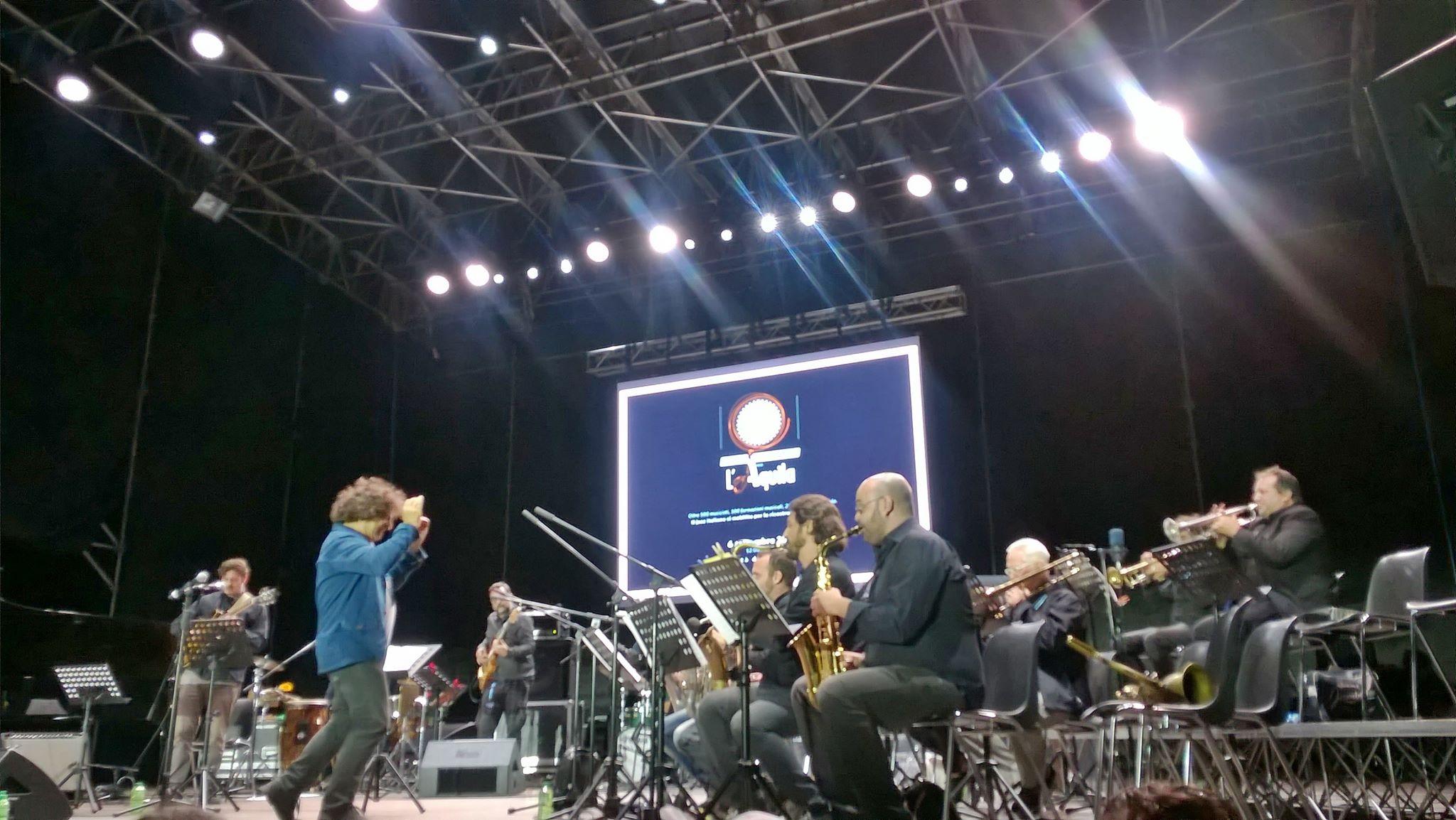 Il 5 Marzo 2016, Greg Hutchinson, incontra l'Orchestra Operaia  di Massimo Nunzi  al  Forum Music Village.